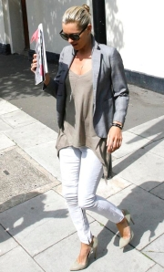 Kate Moss in LNA side tail tee